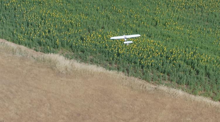 T1 Dron de ala fija vs satélite